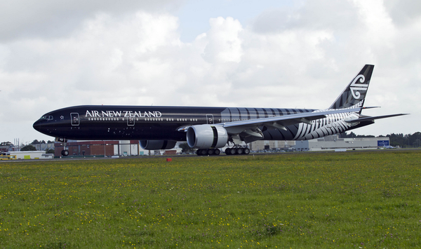 The AirNZ 777-300 black