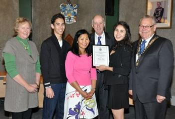 Deputy Mayor, Jenny Andrews and Mayor Alistair Sowman with Vicky Mack and her brother Hugh and parents David and Kraisri.