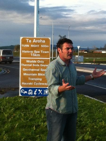 Chairman of the Te Aroha Business Assn Shaun ONeill pleads with NZTA - just give us a sign.