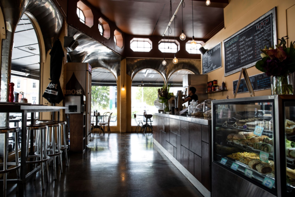 Popular Hamilton eatery Momento City Café is the perfect place to host your next business event.