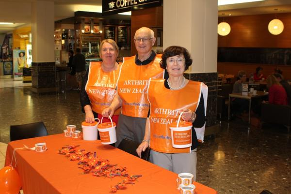 Rotary offers Arthritis New Zealand a helping hand