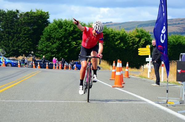 Kate McIIroy continued her run of success in Dunedin making it three winning years in a row as the Calder Stewart Cycling Series kicked off in today with the Midway Motors Dunedin Classic