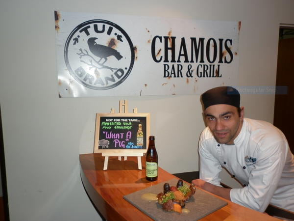 Chef Kane Bambery with his 'What a Pig' creation paired with Monteiths Crushed Apple Cider.