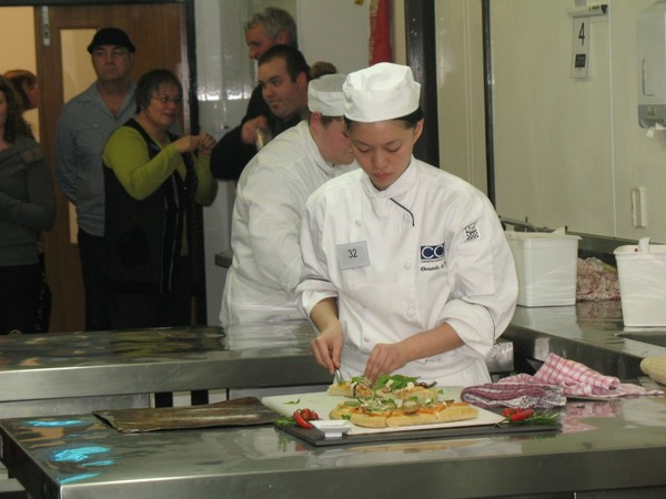 Christelle Sy Peng competing in the Pizza class for Juniors
