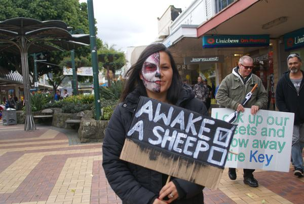 Wake Up Urges Protester At Cameron Street Mall, Whangarei