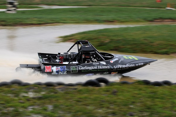 Palmerston North's Richard Burt had a day of mixed fortune to ultimately reclaim his lead in the Suzuki Super Boat category of the Jetpro Jetsprint round held at Meremere