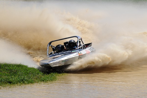 A third successive round win by Auckland's Baden Gray and navigator Tanya Iremonger in Sunday's third round of the Jetpro Jetsprint championship held at Meremere has given the pair an extensive lead in Scott Waterjet international Group A category of the