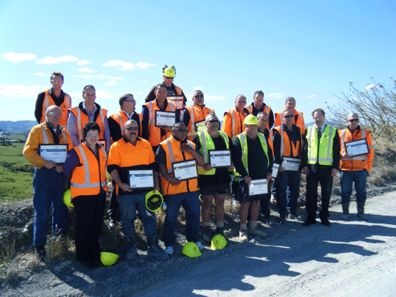 Hon Phil Heatley (second from right) with Golden Bay Cement National Certificate recipients