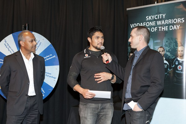 Jerome Ropati - Vodafone Warriors players step up to receive their award of SKYCITY Player of the Day for the last four rounds