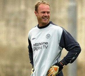 FORMER Celtic goalkeeper Jonathan Gould has joined the Wellington Phoenix as an assistant to head coach Ricki Herbert