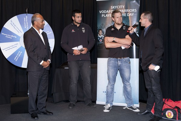 Micheal Luck and Ben Matulino - Vodafone Warriors players step up to receive their award of SKYCITY Player of the Day for the last four rounds