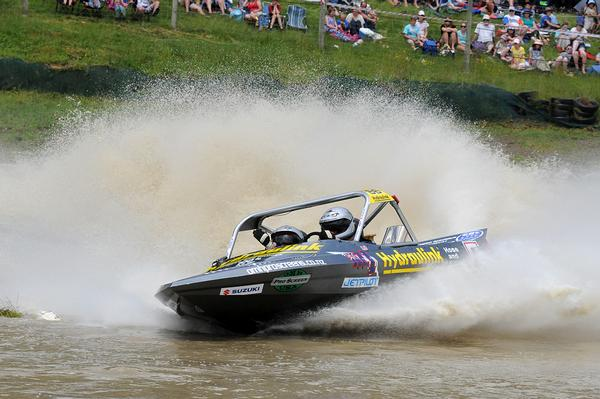 Whangarei's Denis and Steve Crene were on fire today, taking the win in the Jetpro Lites category at the series second round held near Wanganui.