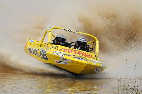 In a tussle for second overall in the Suzuki super boat category, Wanganui's Leighton and Kellie Minnell will start this weekend's final round of the Jetpro Jetsprint Championship near Featherston hoping for a mechanical free run in their methanol powered