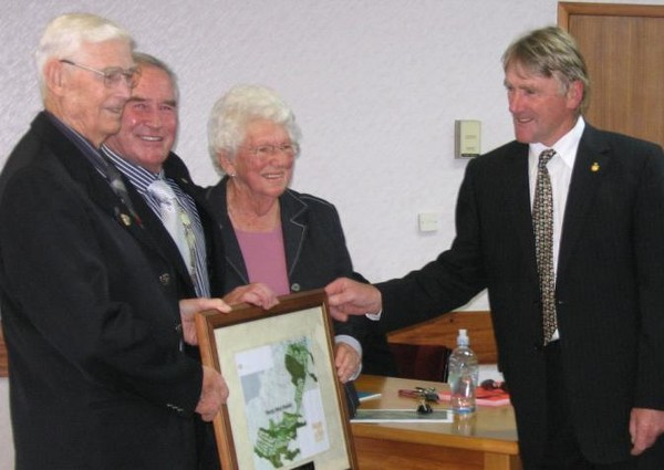 Mr Murray Black, Mayor Rick Cooper, Mrs Tess Black and Councillor Andrew Welch