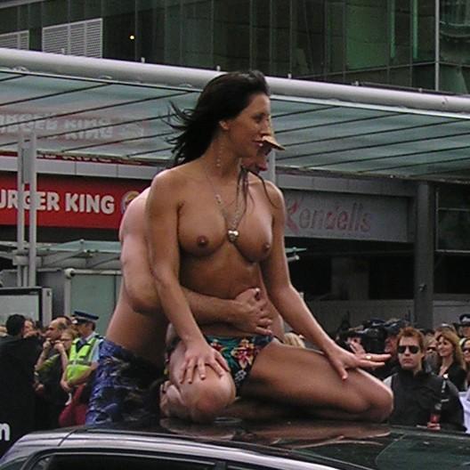 New zealand naked newreader