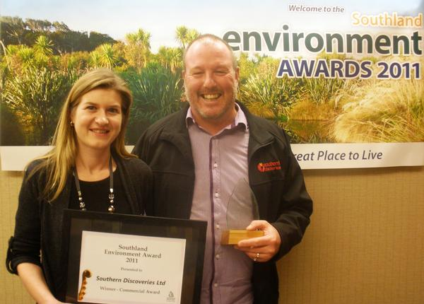 Southern Discoveries' Anita Golden (L) and John Robson (R) with Southland Environment Award