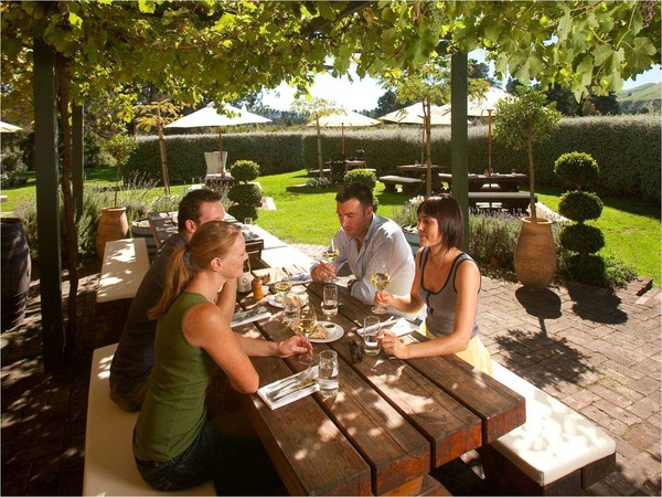 Waipara Wine Valley Dining - Courtesy Christchurch & Canterbury Tourism