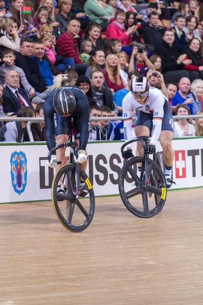 Sam Webster in a tactical battle at the UCI Track Cycling World Championships.
