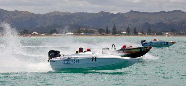 Thin Ice, Energizer and Konica Minolta in just one of the many battles at Gisborne.